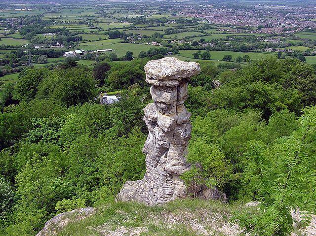 A photo of the Devils Chimney near Leckhampton