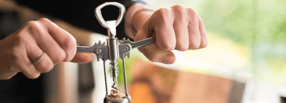 Wine bottle cork screw