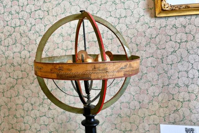 Hershel museum globe